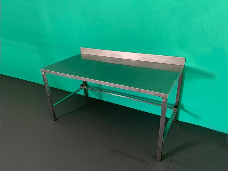 Mesa de trabajo de acero inoxidable (1'60m x 0'80m)